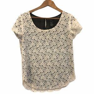Aritizia Talulah Lace Overlay T-Shirt Medium